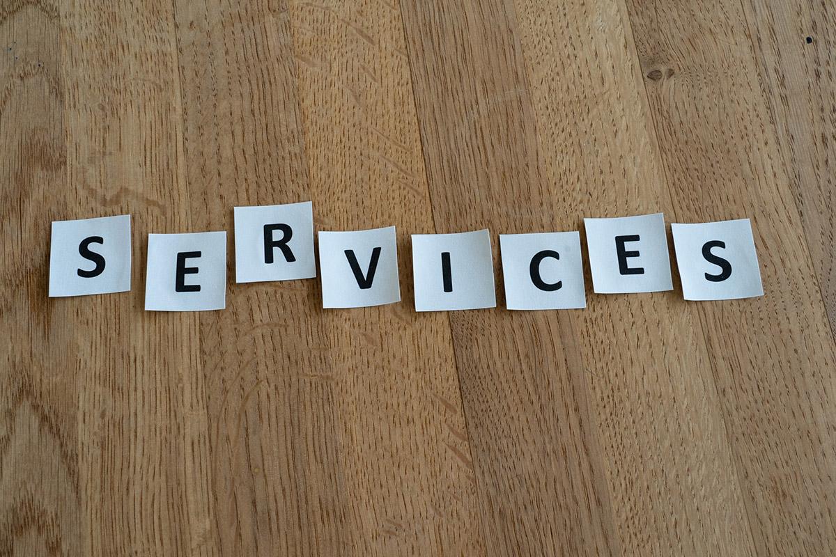 Einzelne Buchstaben des Wortes Services