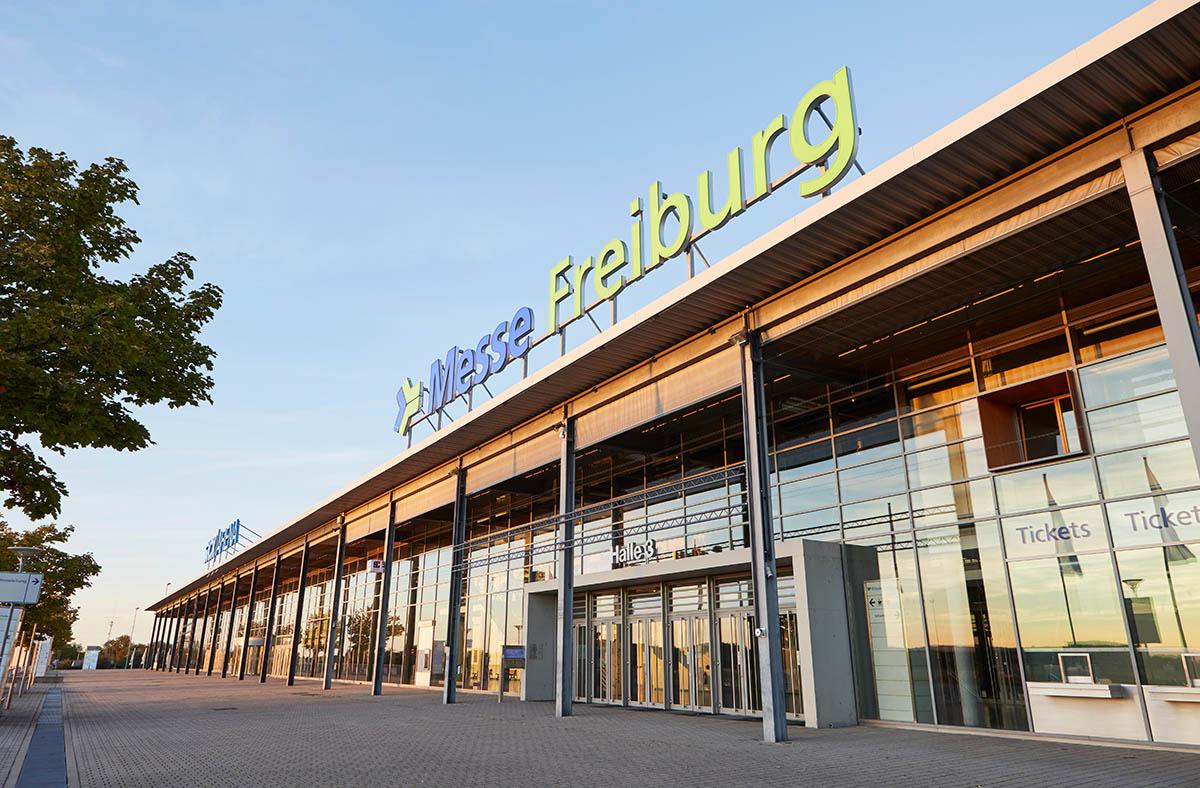 Aussenansicht der Messe Freiburg