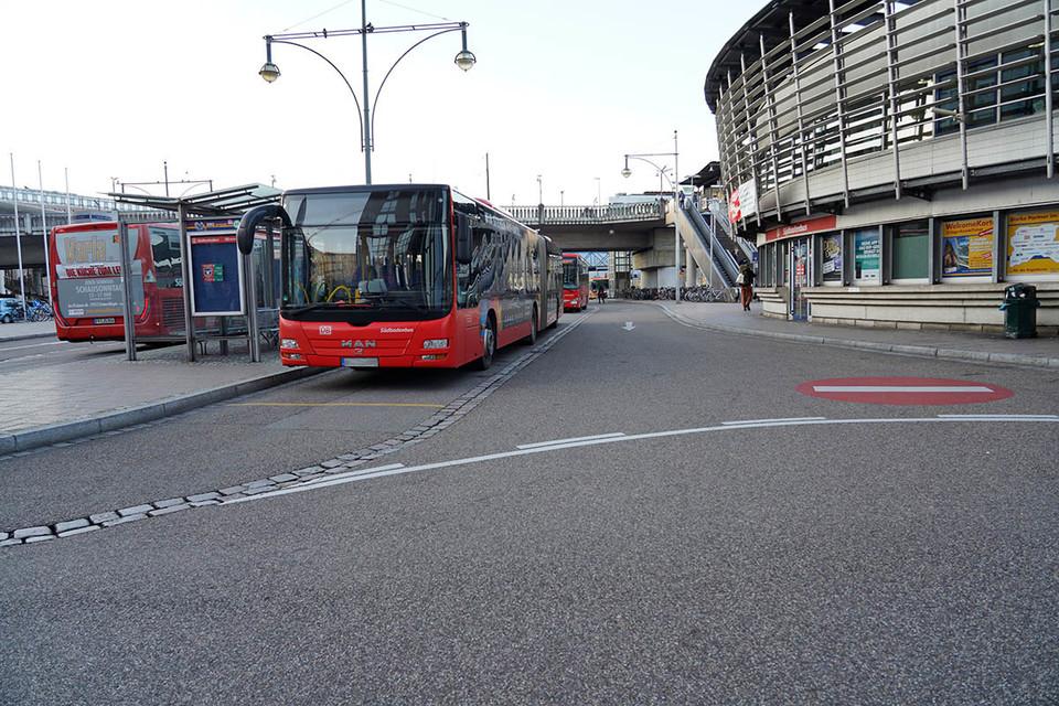 Bus auf  dem Busbahnhof Freiburg