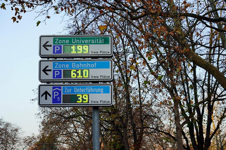 Parkleitsystem-Anzeigetafeln in Freiburg